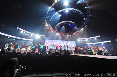 アニサマ2011 8月28日全体集合写真 (C)Animelo Summer Live 2011/MAGES.