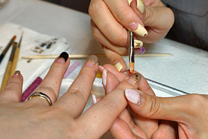 ゴールドのホログラム (C)Nail Salon Ayumino ALL Rights Reserved. (C) IDEA FACTORY / DESIGN FACTORY
