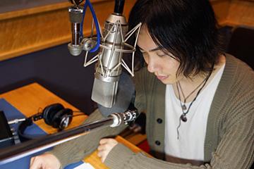 添い寝アプリ『VitaminX-添い寝カレシ-』真壁翼役・鈴木達央 (撮影/オタラボ)