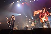 福山芳樹、チエ・カジウラ ライブ『FIRE BOMBER 2012』11月23日・渋谷公会堂 写真:宍戸ヤスオ