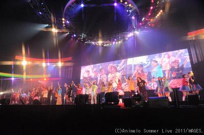 アニサマ2011 8月27日全体集合写真 (C)Animelo Summer Live 2011/MAGES.