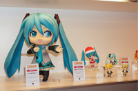「グッスマくじ 初音ミク 2012 Winter Ver.」illustration by ぷちでびる, illustration by chamooi (C)Crypton Future Media,Inc. www.piapro.net 初音ミク衣装 Design by SEGA
